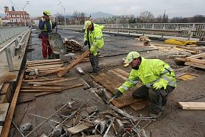 Oprava Tyršova mostu, čtvrtek 10. prosince 2015