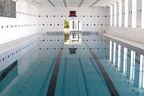 Krytý plavecký bazén v Lovosicích.
