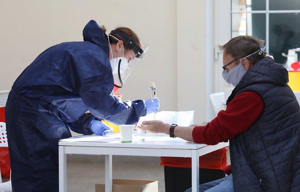 Plošné testování na koronavirus v Litoměřicích