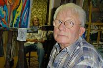 MISTR Arnold Richter ve svém ateliéru.