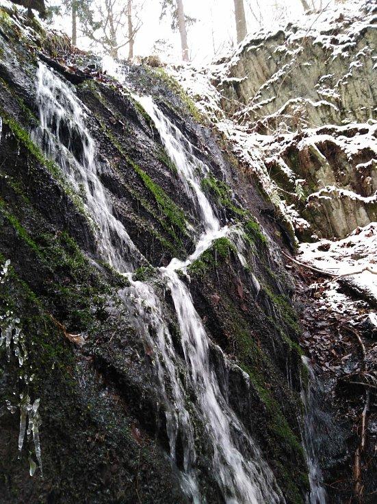 Bobří vodopád v zimě.
