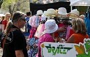 Na úpatí památné hory Říp opět probíhá tradiční Řípská, nebo také Svatojířská pouť