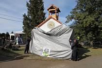 Náves v Tlučni zdobí nová zvonička