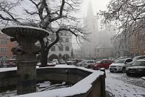 Zasněžené Mírové náměstí v Litoměřicích