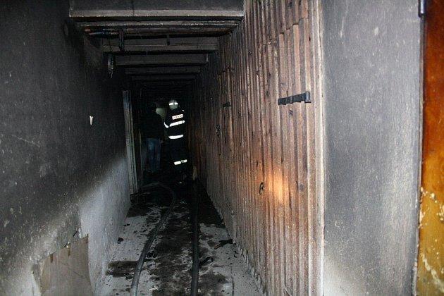 Ve Švermově ulici v Roudnici nad Labem došlo k požáru.
