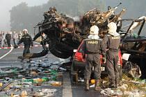 Ani deset let od velké tragédie na silnici nesmaže vzpomínky na toto neštěstí.