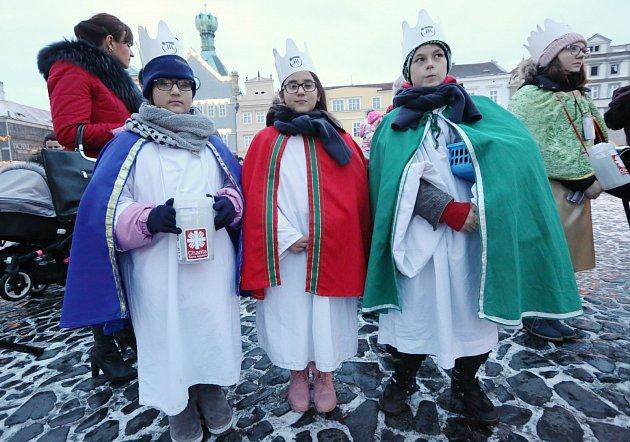 Vpátek 4.ledna vpodvečer požehnal litoměřický biskup Jan Baxant tříkrálové koledníky.