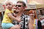 Na tradiční letní jarmark v Úštěku každoročně dorazí několik tisíc návštěvníků.