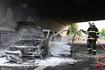 Nedělní požár automobilu v Lovosicích