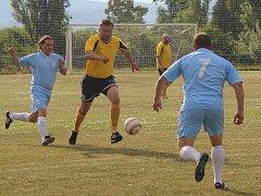 Okresní soutěž sk. B: Černiv (ve žlutém) - Káčko Roudnice.