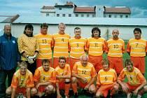 Hrobecká rezerva si v C skupině IV. třídy vede zdatně, naposledy porazila v domácím utkání Kostomlaty vysoko 6:2.