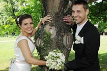 První letošní svatby se v Ploskovicích uskutečnily v sobotu. Na snímku Markéta a Jan Pechovi.