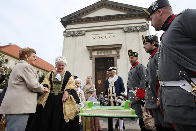Josefínské slavnosti sobota - slavnostní nástup a příjezd Marie Terezie.