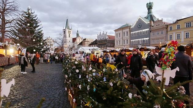 Vánoční trhy na litoměřickém náměstí. Sobota 14. prosince 2019