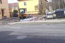 """V Roudnici """"u Libuše"""" instalují první tříkubíkové podzemní kontejnery"""