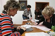 Finanční úřad v Litoměřicích vyšel vstříc například vzdálenějšímu Štětí a vyslal do něj pracovnice, které pomohly lidem s vyplněním a podáním daňového přiznání. Pro obyvatele Štětí to znamenalo velkou výhodu v tom, že nemuseli do Litoměřic.