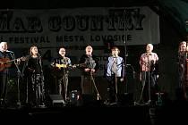 Hašmar do Lovosic opět láká příznivce country, folku i bluegrassu. Trhákem pátečního večera byla skupina Spirituál Kvintet.