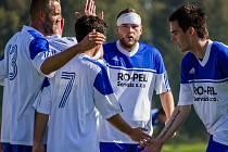 TŘICET BRANEK. V podzimní části A skupiny I. A třídy slavili fotbalisté SK Hrobce vstřelení gólu celkem třicetkrát.