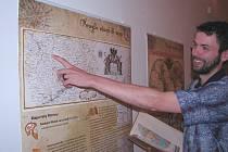 Kartograf Michal Forejt byl připraven provést návštěvníky Podřipského muzea putovní výstavou Kouzlo starých map, která vznikla u příležitosti Mezinárodního roku map.