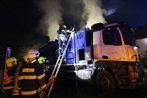 Požár popelářského vozu u Jenčic na Třebenicku