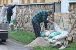 Přípravy na velkou vodu v Roudnici nad Labem