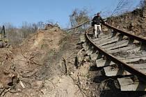 Trať v Českém středohoří poškodil v roce 2013 sesuv půdy