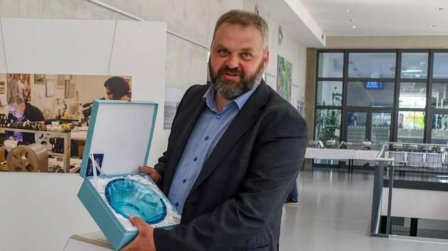 Daniel Pitek převzal Cenu děkana Fakulty životního prostředí.