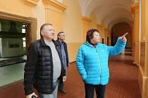 Liběšický zámek, 21.března 2017. Na první prohlídku z řad zájemců o koupi nikdo nepřišel.