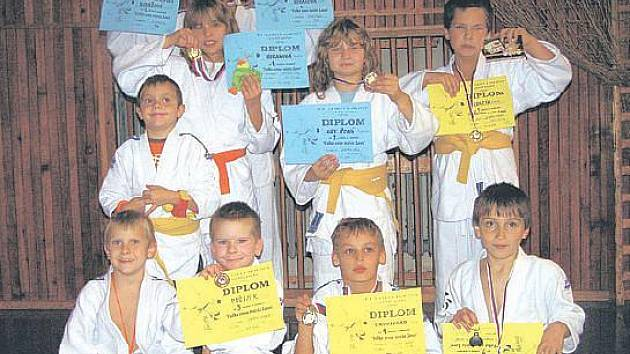 Mladí litoměřičtí judisté v Lounech.