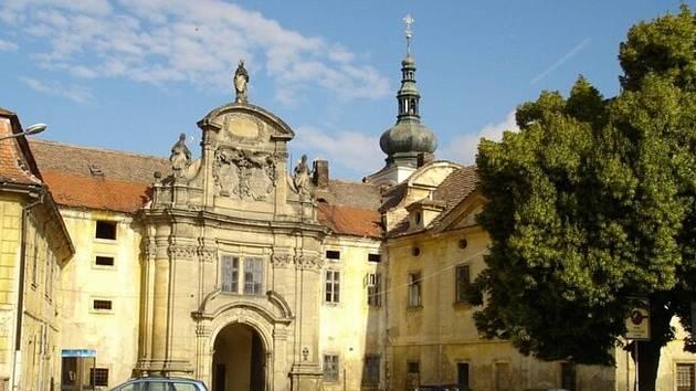 Areál zámku Doksany.