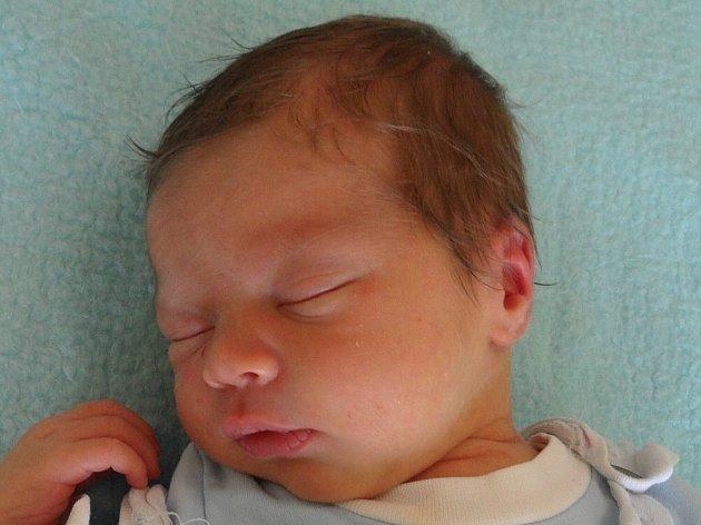 Filip Reichert se narodil Markétě Hrubé  a Filipovi Reichertovi z Lovosic 31.7. v 11:23 hodin  v Litoměřicích. Měřil 52 cm a vážil 3,44 kg.