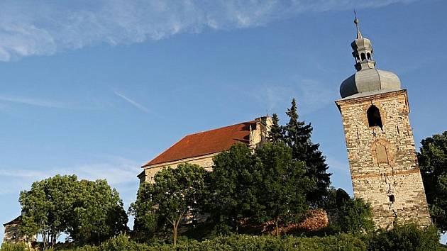 Kostel v Zahořanech na archivním snímku
