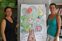 Ředitelka a zakladatelka Centra pro náhradní rodinnou péči Margita Šantavá a předsedkyně dozorčí rady Martina Hrabáčová.