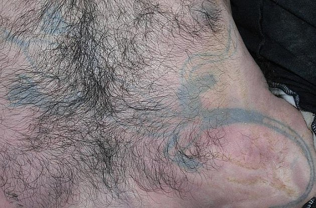 Tetování utonulého.