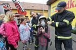 Děti nahlédly pod pokličku povolání hasičů, policistů či záchranářů, ale i života slepců a handicapovaných