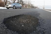 Takto vypadala silnice I/30 v lednu letošního roku.