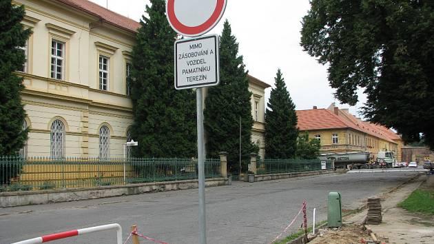 Dopravní omezení v Terezíně.