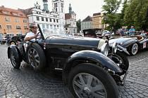 Severem Čech se prohnala historická vozidla v rámci závodu Oldtimer Bohemia rally. Jedna ze zastávek byla v Litoměřice.