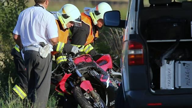 TRAGICKOU NEHODU u Polep motocyklista nepřežil.