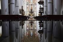 Studánka Václava Ciglera odráží interiér kostela