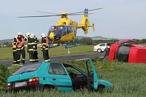 Páteční vážná nehoda na silnici I/15 nedaleko Nových Kopist.