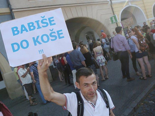 Demonstrace proti vládě Andreje Babiše v Litoměřicích.