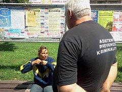 Romští asistenti pomáhají udržet pořádek ve Štětí