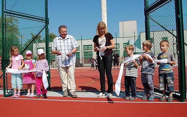 Nové sportovní hřiště v Bohušovicích nad Ohří
