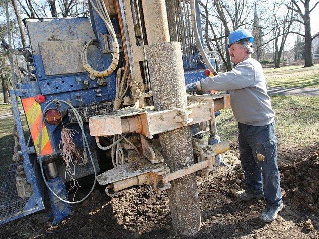Obnova litoměřického parku může začít. Fontána bude mít vlastní zdroj vody z nového vrtu