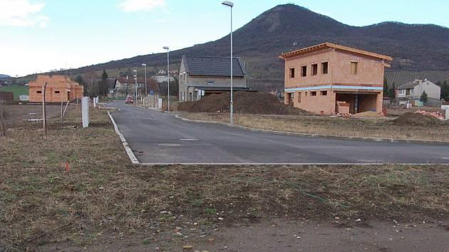 Nový Holoubkov, nové ulice v Lovosicích.