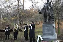 Slavnostní odhalení sochy K. H. Máchy v Litoměřicích.