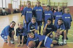 DRUHÉ MÍSTO. Kombinovaný basketbalový výběr TJ Lovochemie Lovosice obsadil při miniturnaji v Litoměřicích druhou příčku.