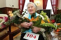 104. NAROZENINY oslavuje  Rosálie Kočárková.