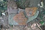 Střepy nalezené vzaniklém mlýně na střelný prach vKonojedech na Úštěcku jsou pozůstatky kamnovce.